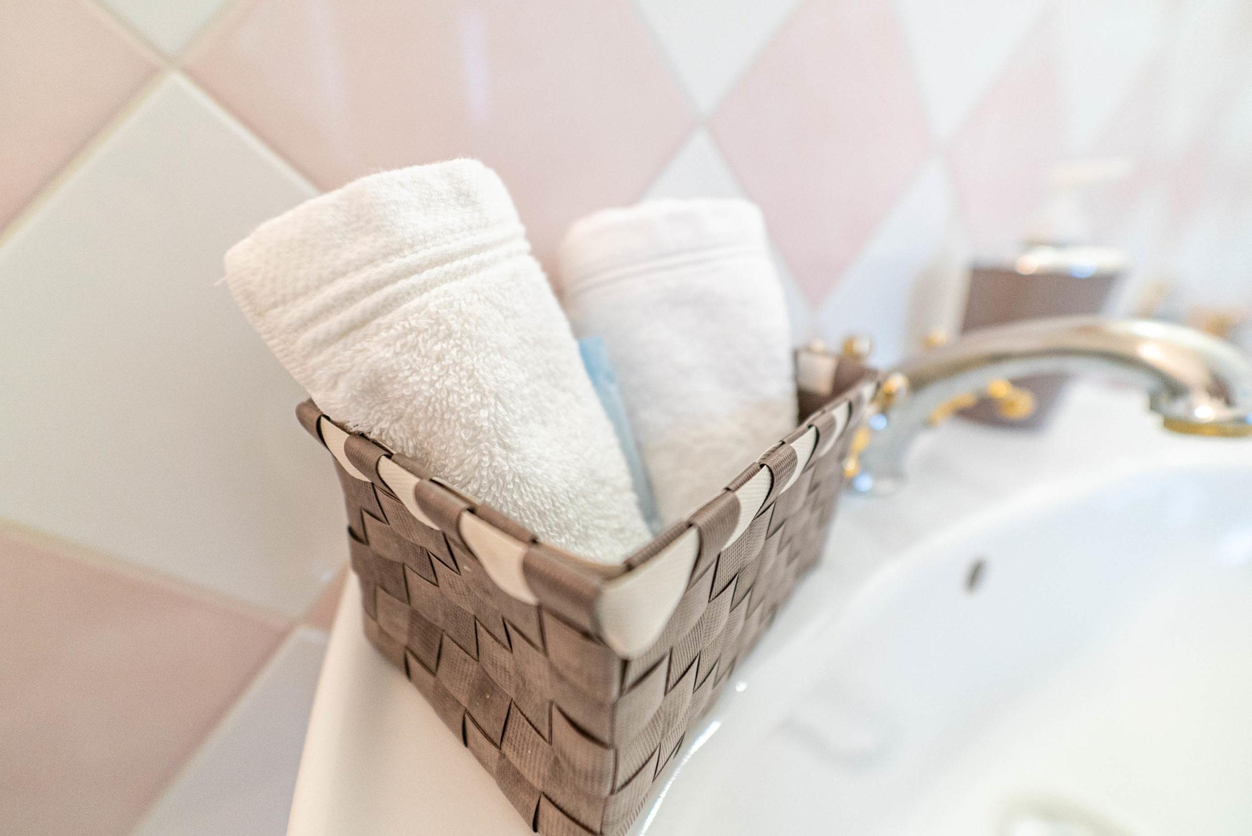 Serviette salle de bain suite marquise chateau Rauly location bergerac Monbazillac