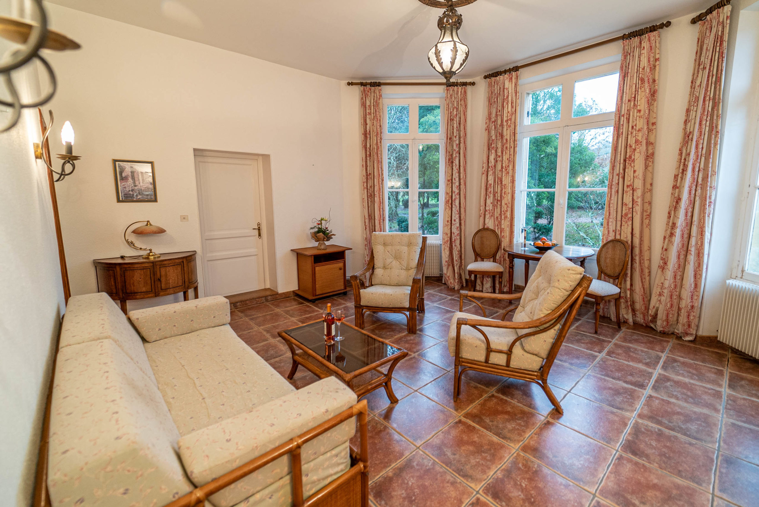 Salon suite marquise chateau Rauly location bergerac Monbazillac