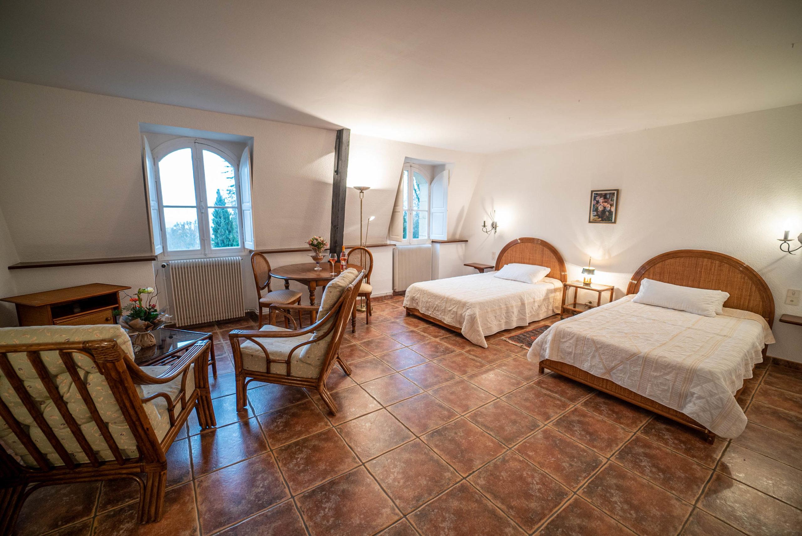 Chambre des convives chateau Rauly location bergerac Monbazillac