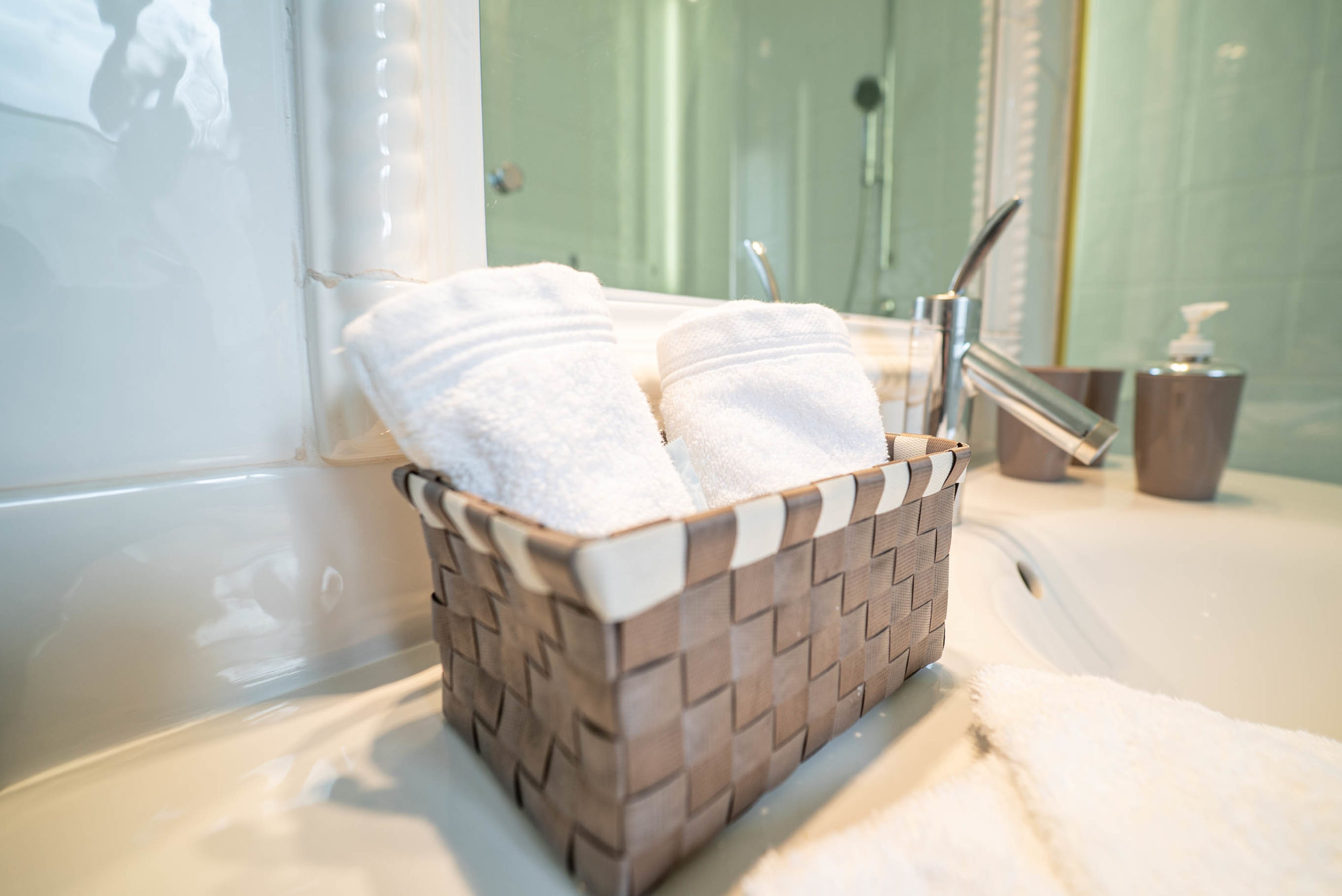 Salle de bain serviettes chateau Rauly location bergerac Monbazillac