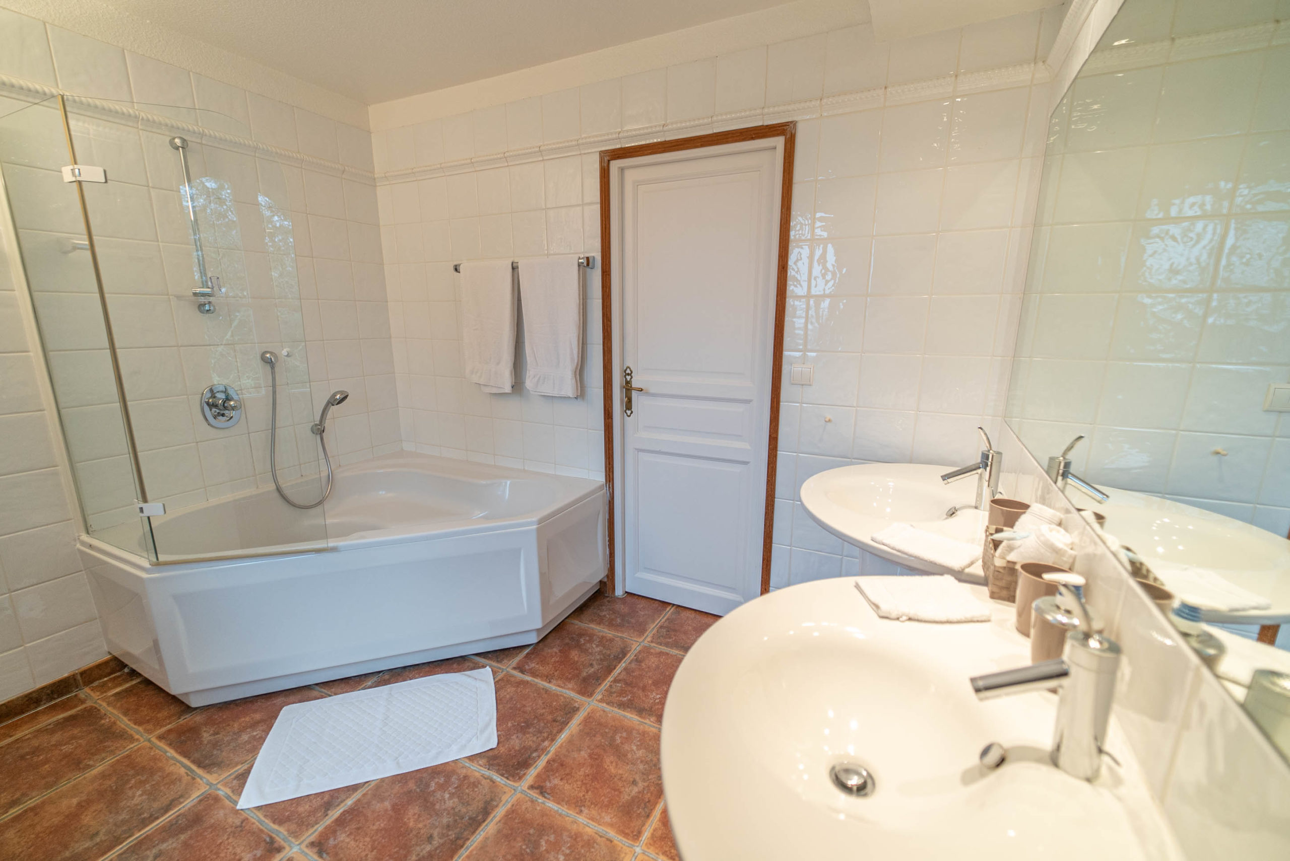 Suite du marquis Salle de bain chateau Rauly location bergerac Monbazillac