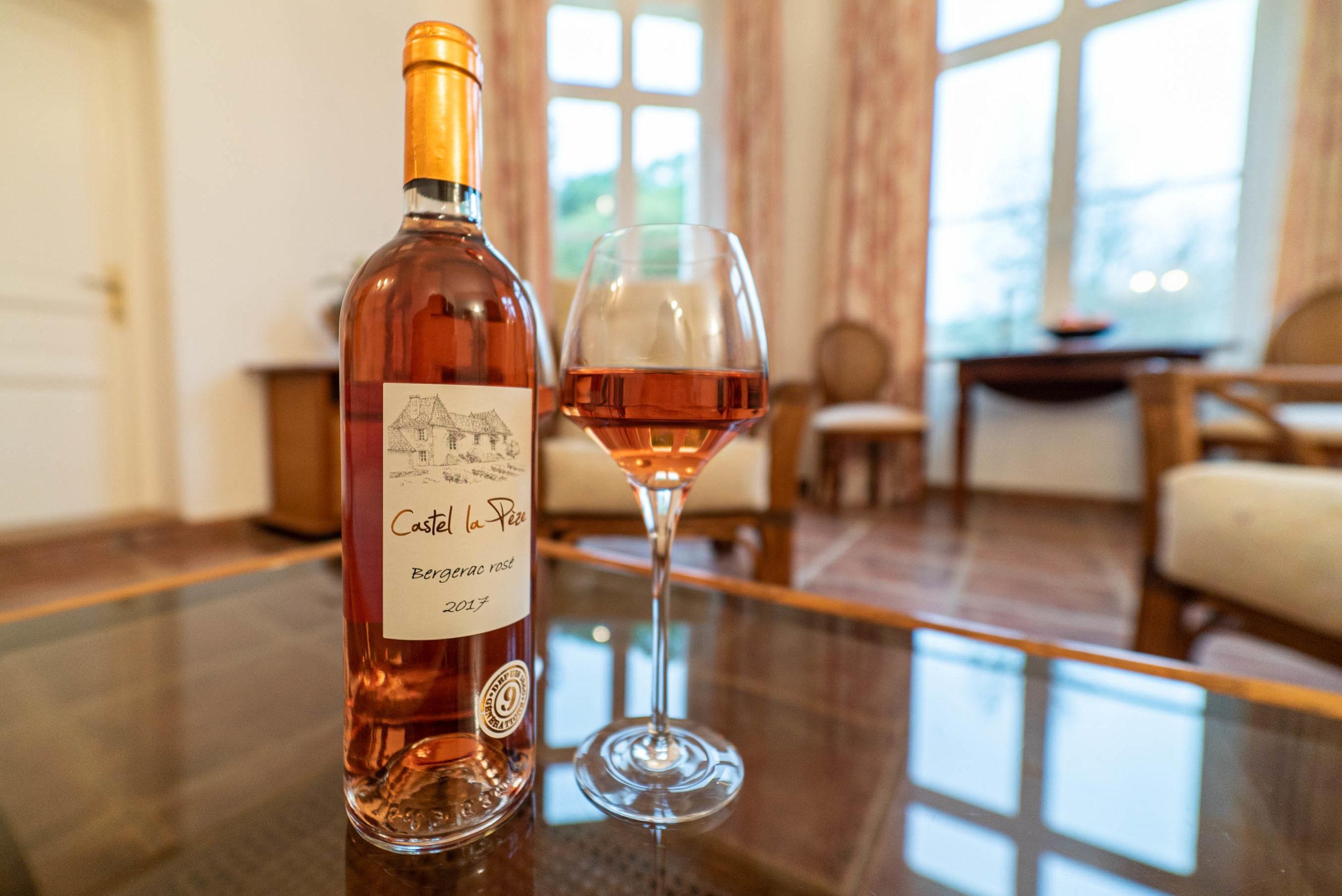 Bouteille de vin suite marquise chateau Rauly location bergerac Monbazillac